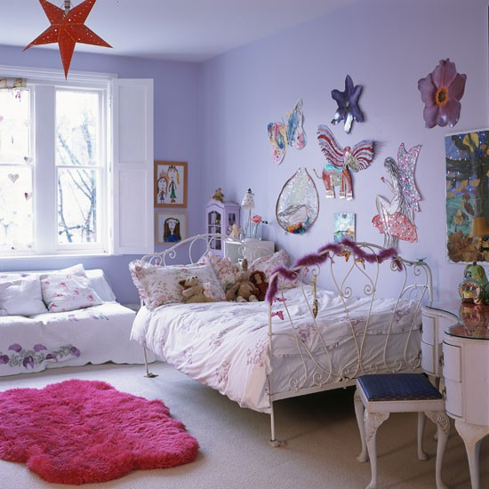 1Classic-pale-painted-childs-bedroom-with-decorative-artwork-Homes--Gardens-Housetohome