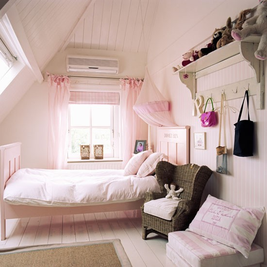 5Classic-pink-childs-bedroom-with-painted-wood-floor-and-walls-Homes--Gardens-Housetohome