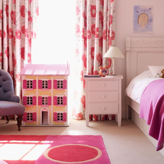 7Classic-cream-and-bright-pink-childs-bedroom-with-dolls-house-Homes--Gardens-Housetohome