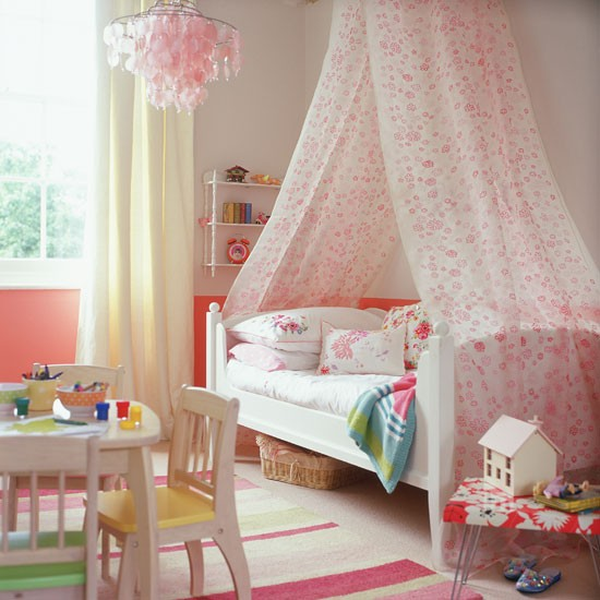 8Classic-cream-and-pink-childs-bedroom-with-floral-bed-canopy-Homes--Gardens-Housetohome